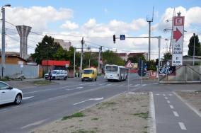 Vine demolarea! Primăria a predat amplasamentul pentru amenajarea sensului giratoriu pe Oneştilor cu exproprierea a 11 locuinţe (FOTO)