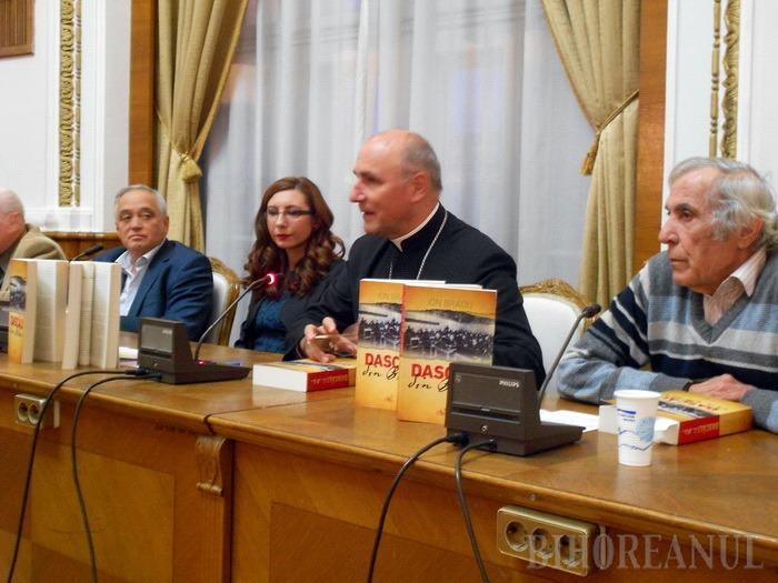 Dascăli din Bihor: O carte care prezintă zeci de profesori bihoreni, aşa cum au fost cunoscuţi de Ion Bradu (FOTO)