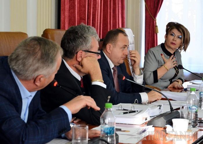 Soltănel, pe fărăşel: Secretarul Judeţului, Carmen Soltănel, pe lista neagră a lui Mang şi Pásztor