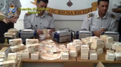 Bani pentru mafie: Bancnote false în valoare de 28 milioane de euro, produse inclusiv în Oradea, au fost confiscate în Italia! (FOTO)