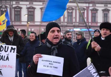 Luptător în stradă: Organizatorul protestelor anti-Guvern, Sebastian Duma, îi îndeamnă pe orădeni să nu cedeze
