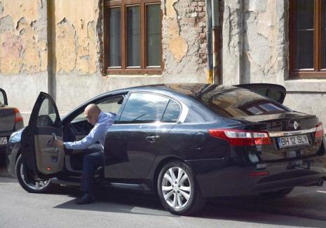 Bolojan cel absent: Aflat 99 de zile pe an în delegaţii, primarul de Oradea s-a rupt de problemele curente ale oraşului