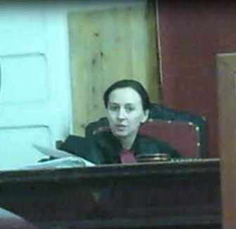 Culmea Justiţiei: Judecătorii din Bihor sunt somaţi să înapoieze o parte din salariile 'nesimţite'
