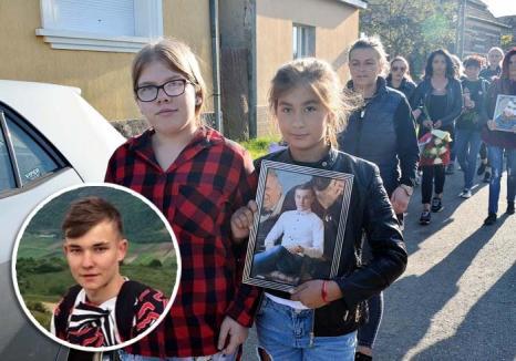 Accident sau crimă? Răsturnare de situaţie în cazul tânărului din Ţeţchea ucis cu motocoasa