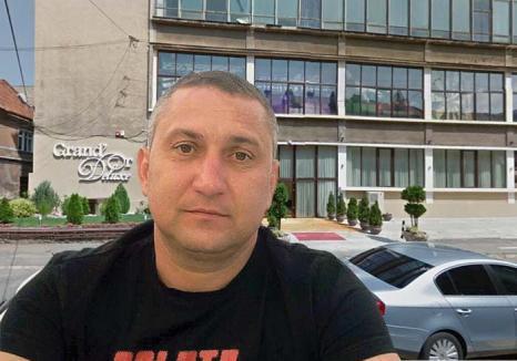 'Călăuza' penalilor: De ce îl acuză anchetatorii pe poliţistul de frontieră prins în flagrant cu şpagă în Vama Borş