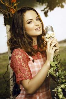 Hai, Florena! O orădeancă de 16 ani, Florena Ticu Şandro, luptă să reprezinte România la Eurovision 2016 (VIDEO)