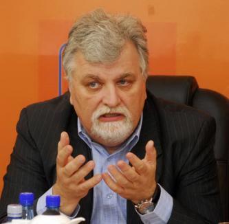 Mulţumit de alegeri, Filip 'votează' pentru o guvernare de dreapta