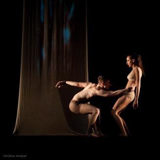 Stăpânul mişcărilor: Orădeanul Emil Rengle este coregraful unor vedete precum Inna şi Antonia (FOTO)