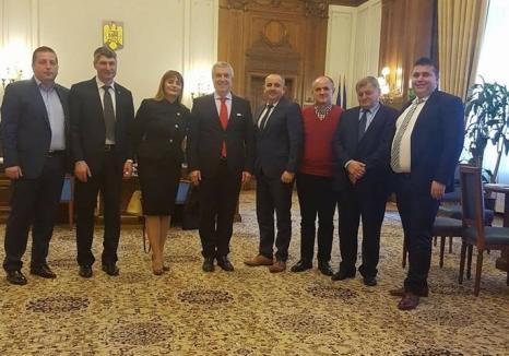 """Şeful ALDE Bihor, Traian Bodea, se laudă cu 6 primari """"traseişti"""" de la PNL, care însă neagă orice discuţie pe această temă"""