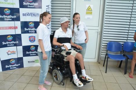 Fundaţia Mihai Neşu oferă şedinţe de hidroterapie pentru copiii din Oradea cu deficienţe neuromotorii