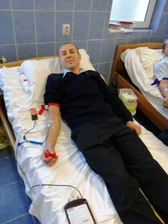 În sprijinul vieţii: Pompierii din Aleşd au donat sânge pentru bolnavi (FOTO)
