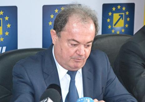 Bani negri la partid: Fostul primar de Piatra Neamţ povestește cum i-a dus 700.000 de euro lui Vasile Blaga