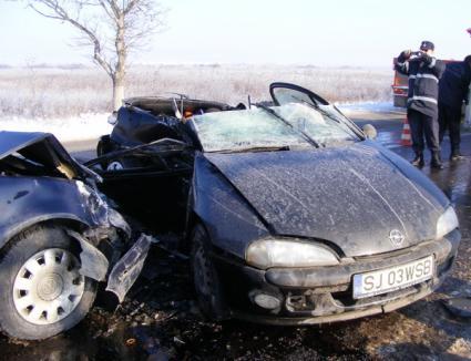 Cinci persoane au fost rănite într-un accident la Oşorhei (FOTO)