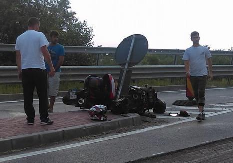 Insulele de pe DN1 fac victime: Un motociclist ceh şi-a rupt piciorul după ce s-a izbit de o alveolă la Auşeu