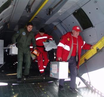 Bihoreancă bolnavă de inimă, transportată cu un avion militar la Târgu Mureş