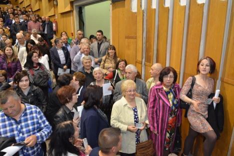 Pe muchie: Florin Birta a câştigat preşedinţia PNL Oradea la numai 7 voturi diferenţă! (FOTO)