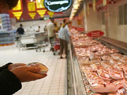 Un magazin închis şi 15 amenzi în urma controalelor Direcţiei Sanitar Veterinare