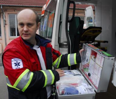 Moşul a adus Serviciului de Ambulanţă o auto-sanitară nou-nouţă (FOTO)