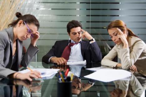 Amenzi pentru mutarea contribuţiilor: Până la 10.000 lei pentru firmele care nu negociază cu angajaţii noile contracte de muncă într-o lună!