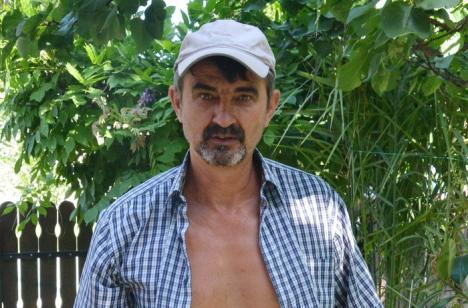 Apă de ploaie: Bihorenii din nord-vestul judeţului trebuie să-şi cumpere apă din magazin întrucât cea de la robinet e de nebăut