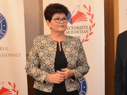 Laudă PSD-ului: O secretară de stat în Ministerul Educaţiei i-a felicitat pe PSD-işti pentru… frumuseţea Oradiei