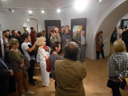 Artă 'fără frontiere'. La Cetatea Oradea a fost vernisată o expoziţie de lucrări a tinerilor artişti locali (FOTO)