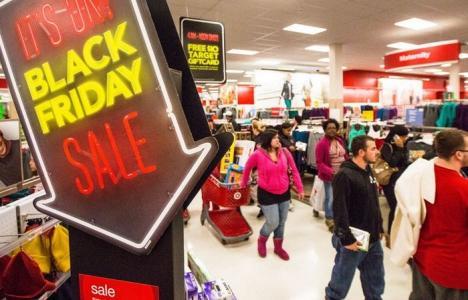Sfaturi de la Protecţia Consumatorilor: Cum să nu iei ţeapă de Black Friday