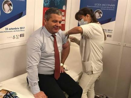 Bodog cel vaccinat: Ministrul Sănătăţii anunţă târziu cumpărarea de vaccinuri antigripale