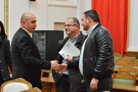 Retrospectiva săptămânii prin ochii lui Bihorel: Dispută între Bolovan şi Junele de la PSD