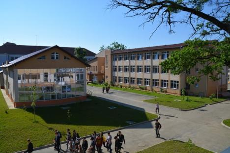 Elevi-afacerişti din şapte ţări, adunaţi la Oradea (FOTO)