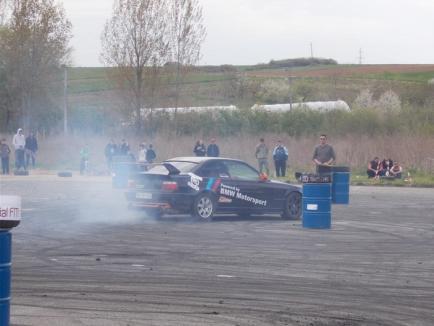 Show cu maşini 'tunate', la Marghita: Vezi cum a fost atmosfera! (FOTO / VIDEO)