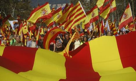 'Catalonia este Spania': Sute de mii de oameni protestează în Barcelona, împotriva declarării independenţei Cataloniei