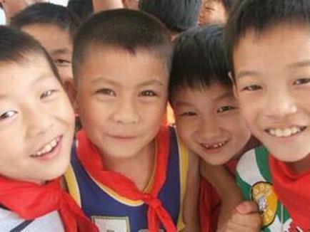 China vrea să sterilizeze 10.000 de chinezi