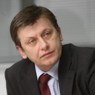 Crin Antonescu l-ar putea exclude pe Ludovic Orban din echipa sa