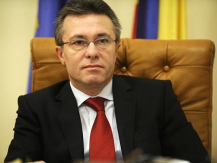 Diaconescu şi-ar asuma candidatura la şefia PSD