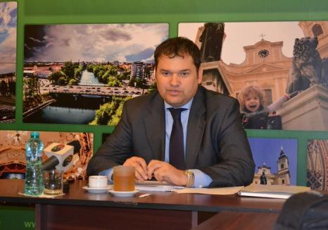Deputatul Cseke Atilla: Paşapoartele electronice simple vor fi valabile 10 ani pentru românii cu vârste de peste 25 de ani