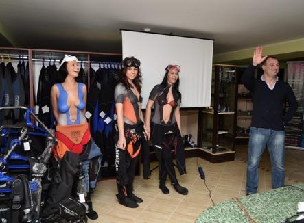 """Prima """"şcoală"""" de scafandri, inaugurată la Oradea cu o prezentare de body painting (FOTO)"""
