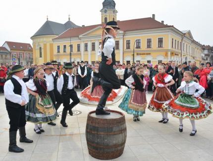 În ciuda sabotajului UDMR: Zilele Culturii Maghiare aduc în Cetate evenimente artistice, culinare şi caritabile