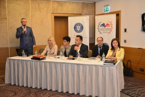 Ministrul Educaţiei, Liviu Pop, la Oradea: De la anul, elevii vor avea manuale unice, iar legea educaţiei va fi schimbată (FOTO)