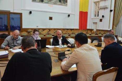 Primarul Bolojan la dezbaterea taxelor: 'Eu aş propune un impozit pe tupeul politic, care să se aplice în special membrilor PSD!' (FOTO)