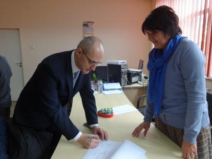 Clubul Lions a donat Spitalului Municipal camere implantabile pentru tratamentul copiilor bolnavi de cancer