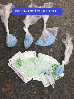 Tânăr de 31 de ani din Bihor, prins în flagrant în timp ce vindea 400 de grame de ecstasy! (FOTO)