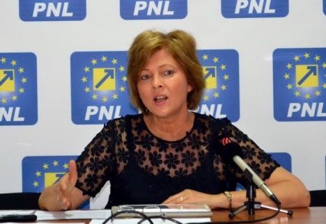 'Sfidare până la capăt!'. Cherecheş cere APM Bihor să mute dezbaterea pe tema fermei de porci într-un loc public şi accesibil orădenilor