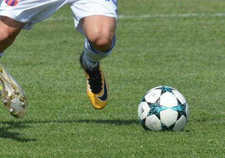 O nouă etapă în fotbalul local: Derby-ul CSC Sânmartin a început duminică și s-a încheiat luni