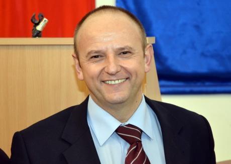Prorector nou la Universitate: Gabriel Bendea, decanul Facultăţii de Inginerie Energetică şi Management Industrial