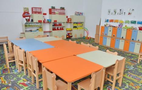 Eternii sponsori: La o grădiniţă din Oradea, fiecărui părinte i s-a cerut să doneze 5 litri de săpun, 20 pachete de şerveţele şi 24 role de hârtie igienică pentru un copil
