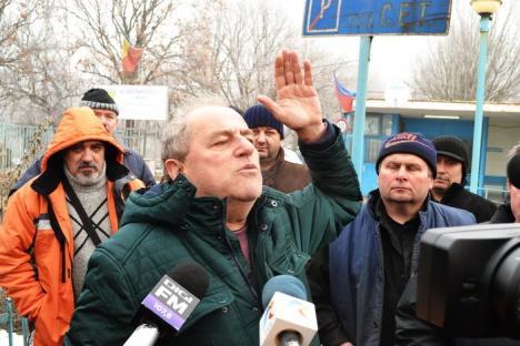 'Să vină primarul!'. Negocierile au eşuat, greva de la CET continuă