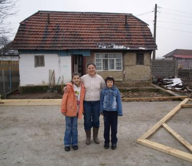 Ajutaţi-i pe Ana-Maria şi Andrei să primească o locuinţă de Paşti!