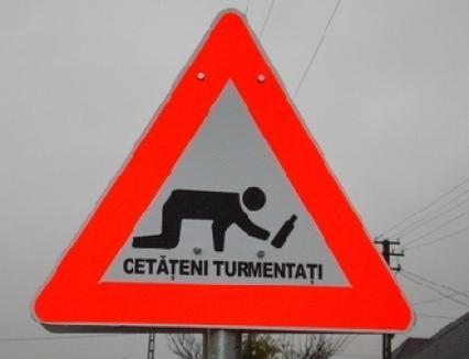 În Arad au apărut indicatoare 'Atenţie, beţivi!'