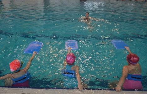 Întreceri de înot, la Bazinul Olimpic 'Ioan Alexandrescu'